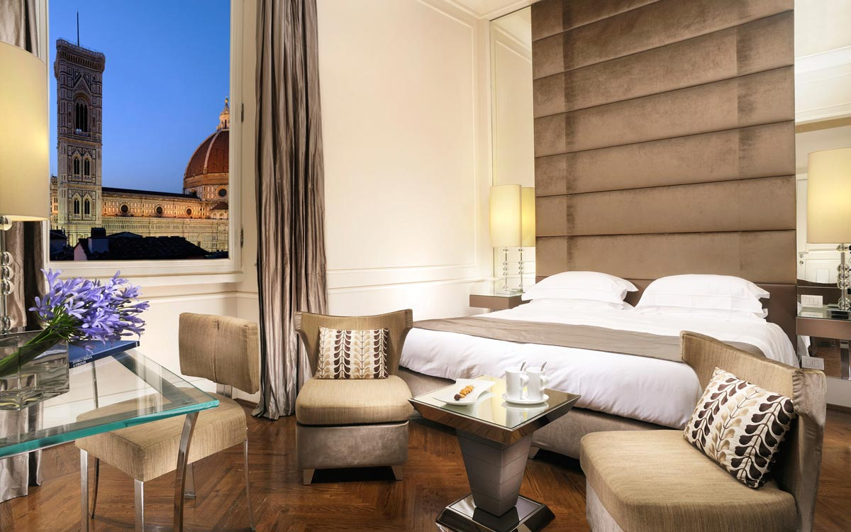 Photogallery camere hotel brunelleschi for Camere da letto firenze